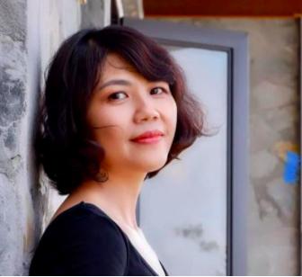 Bà Bích, Chủ toà nhà văn phòng 7 tầng số 99/136 Hồ Tùng Mậu